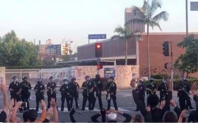 اعلام حکومت نظامی در لس آنجلس