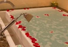 parsian-azadi-hotel-tehran-bath-tub