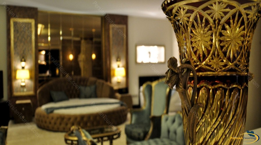 taj-mahal-hotel-tehran-senator-room-4