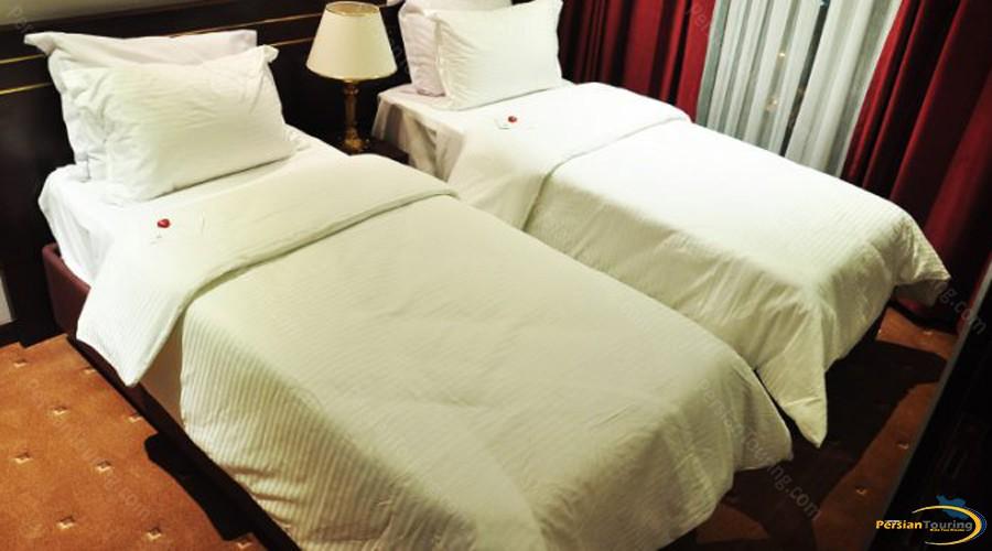 taj-mahal-hotel-tehran-twin-room-1