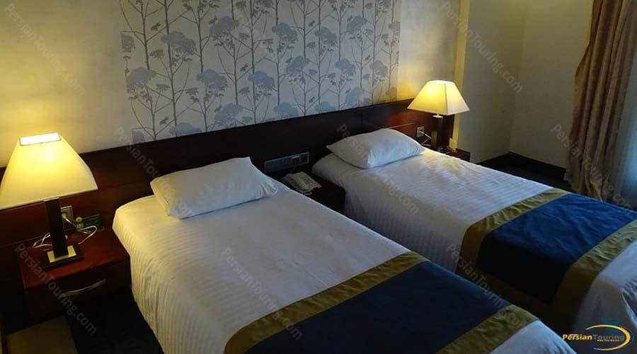 arg-hotel-yazd-twin-room-3