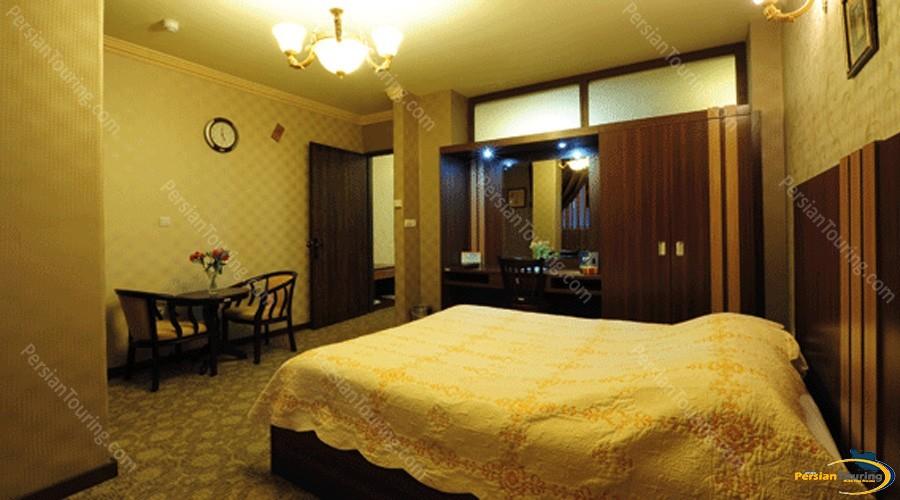 aseman-hotel-isfahan-double-room