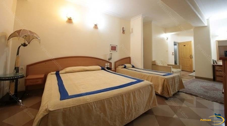 eram-hotel-shiraz-triple-room-1