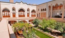 iranian-house-hotel-kashan-yard-1