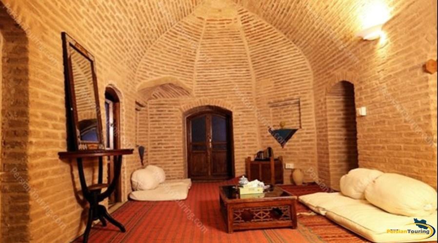 kuhpa-caravanserai-isfahan-shah-neshin-room-1