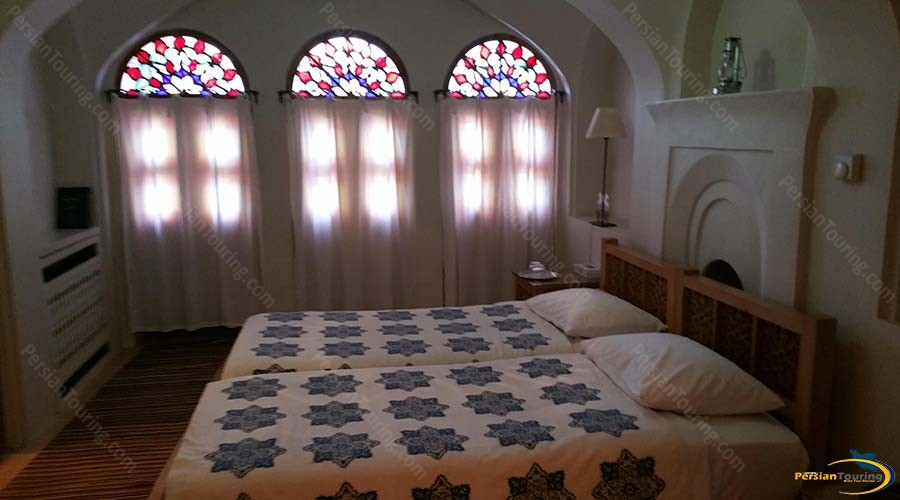 manouchehri-traditional-hotel-kashan-double-room-2