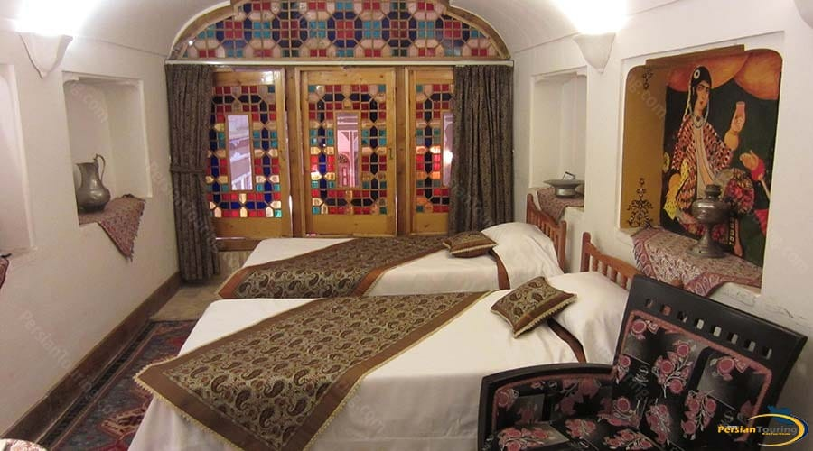 mehr-traditional-hotel-yazd-twin-room-2