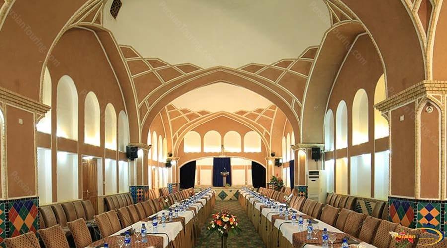 moshir-al-mamalek-garden-hotel-yazd-conference-hall-1
