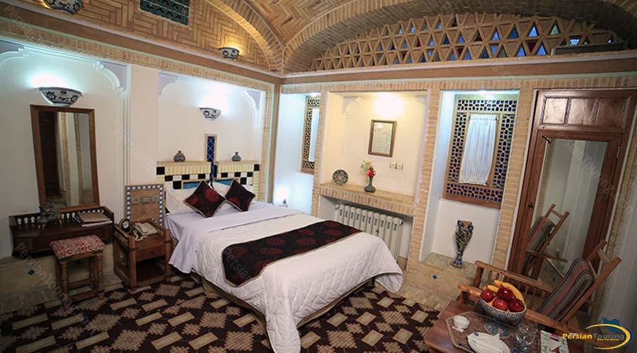 moshir-al-mamalek-garden-hotel-yazd-double-room-2