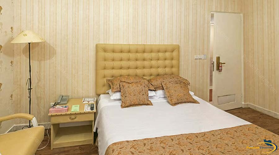 parseh-hotel-shiraz-double-room-2