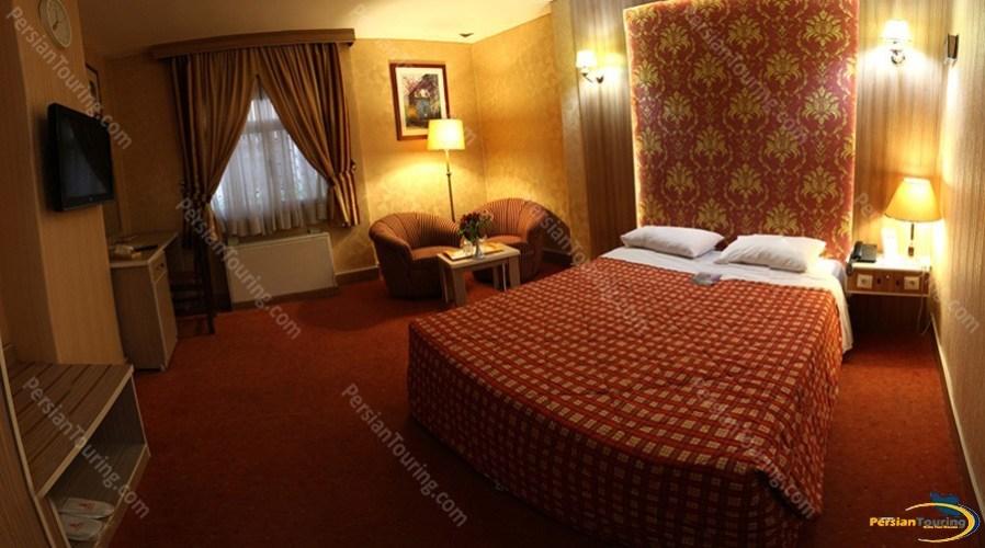 parsian-ali-qapu-hotel-isfahan-double-room-6