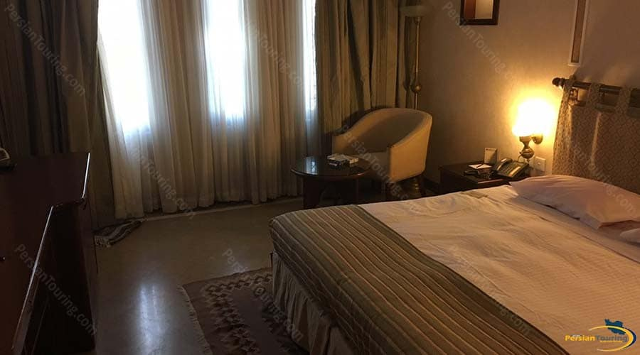 parsian-safaiyeh-hotel-yazd-double-room-1