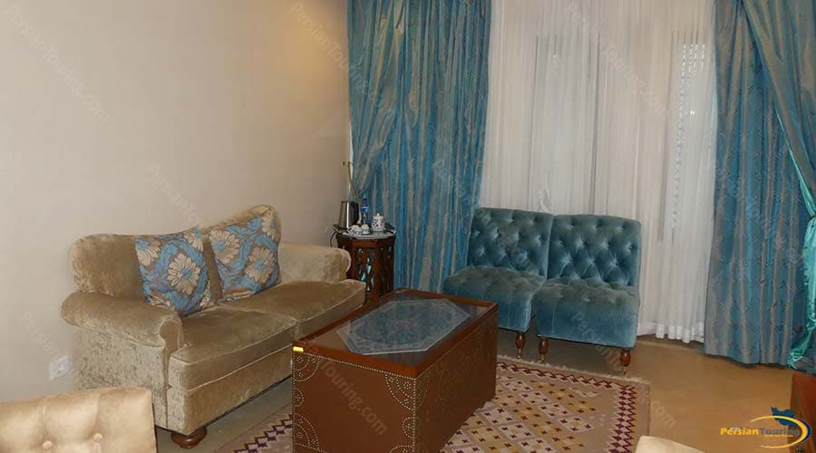 parsian-safaiyeh-hotel-yazd-quadruple-suite-1