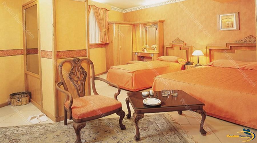 zohreh-hotel-isfahan-triple-room-2