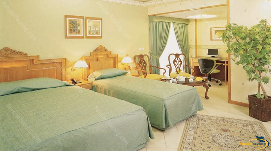 zohreh-hotel-isfahan-triple-room