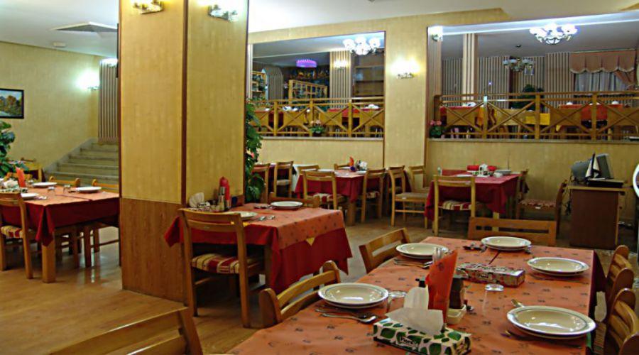 Jahangardi Hotel Bastam