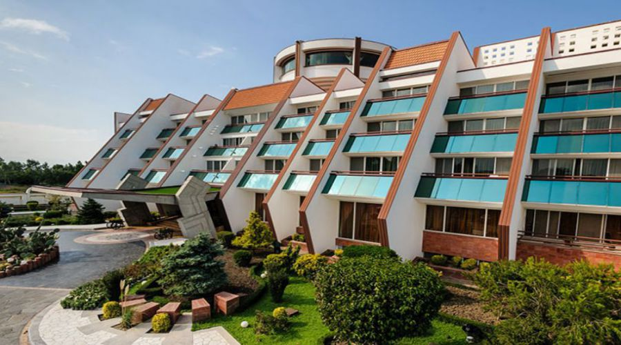 Narenjestan Hotel Noor