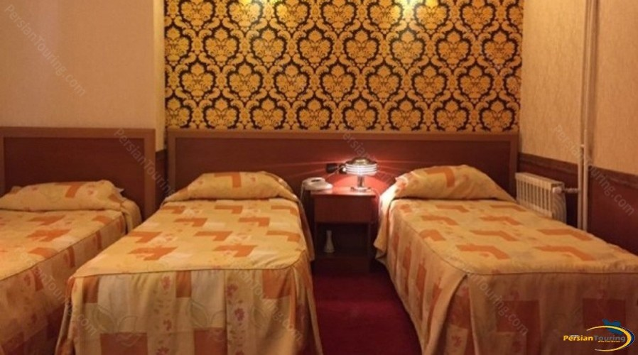 shiraz-hotel-tehran-triple-room-1