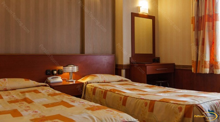 shiraz-hotel-tehran-twin-room-1