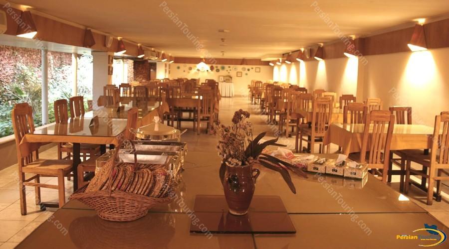 chehel-panjereh-hotel-isfahan-restuarant-2
