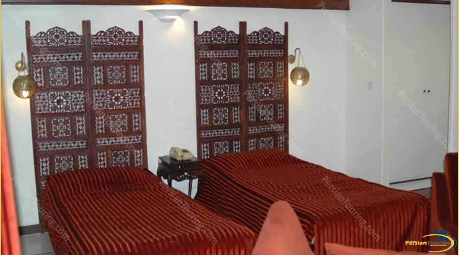 chehel-panjereh-hotel-isfahan-twin-room-4