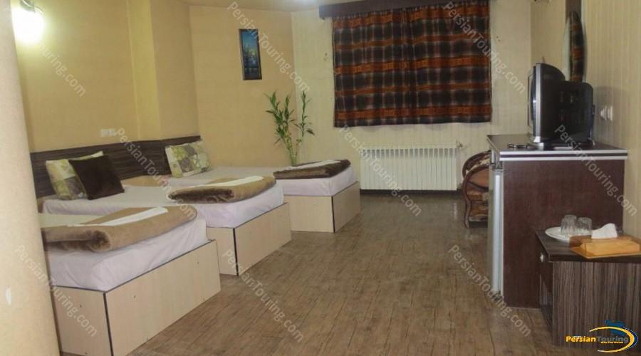 saba-hotel-isfahan-triple-room-5