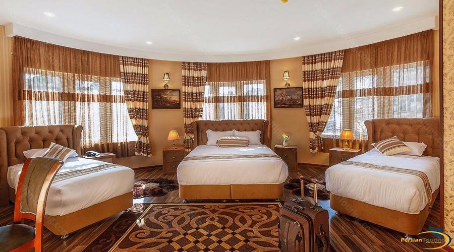 bahar-hotel-tehran-triple-room
