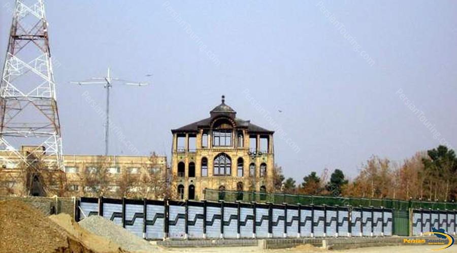 eshrat-abad-palace-and-garrison-1
