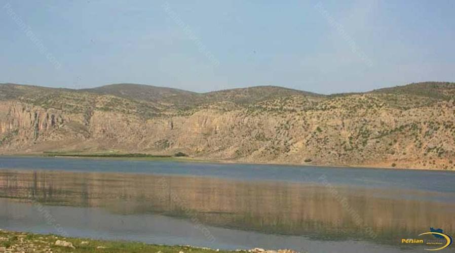 arjan-lake-and-watland-2