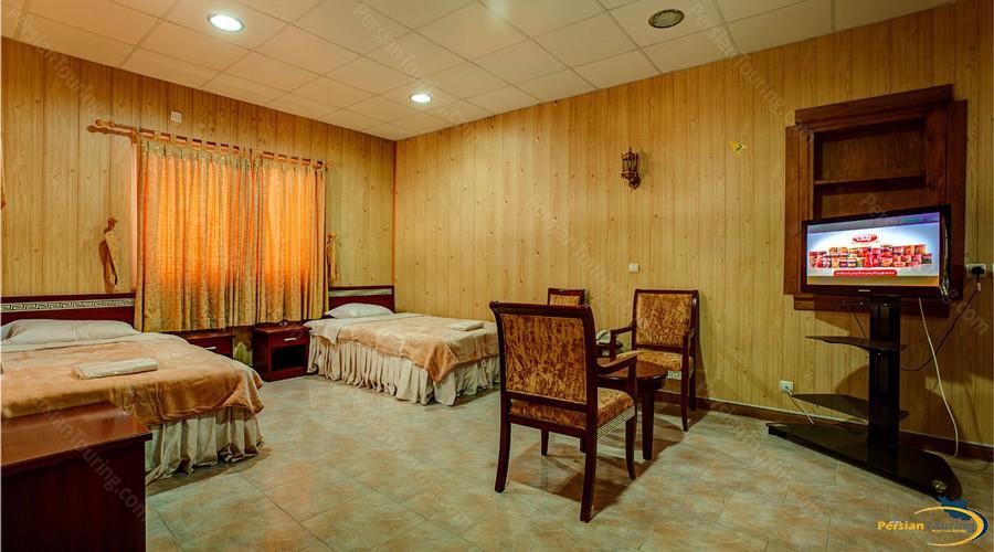 golden-beach-hotel-qeshm-triple-room-2
