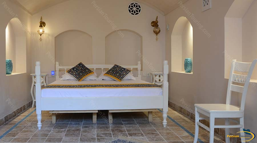 ariana-hotel-kashan-double-room_basement-1