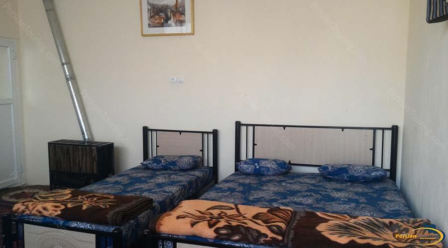 noghli-hotel-kashan-triple-room-1