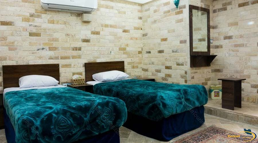 firoozeh-traditional-hotel-yazd-twin-room-2