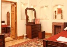 morshed-garden-traditional-hotel-yazd-quadruple-room-1