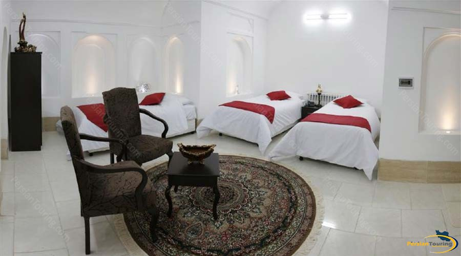 royay-ghadim-traditional-hotel-yazd-triple-room-1