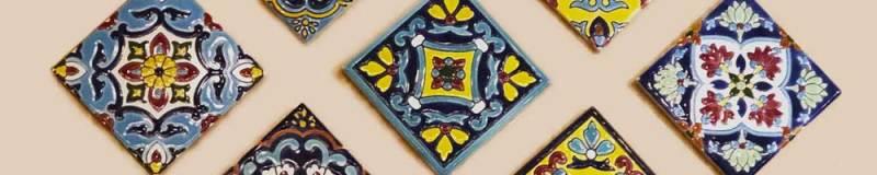 Polychromic tiles