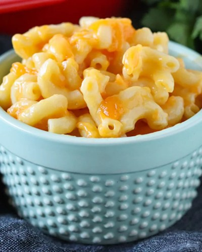 best macaroni and cheese in a blue bowl