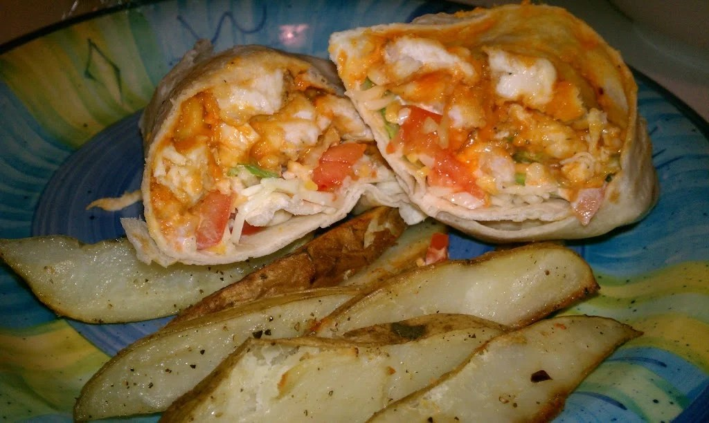 buffalo ranch wrap with fries
