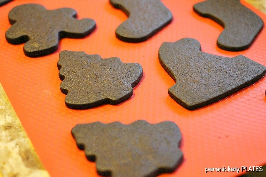 Chocolate Shortbread Cookies - perfect for decorating! | Persnickety Plates