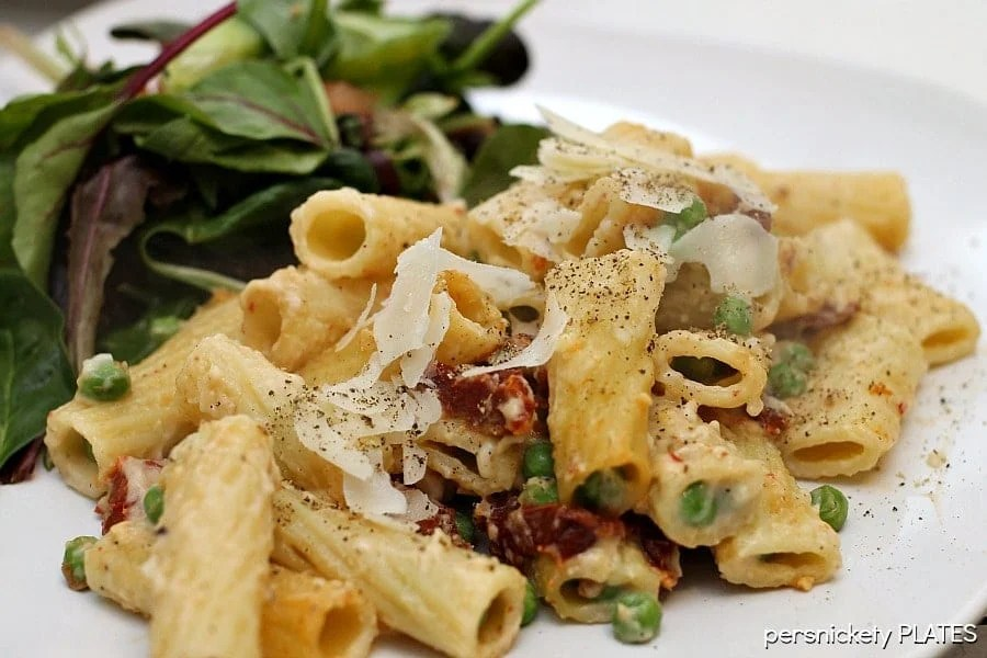 Baked Rigatoni with Sun Dried Tomatoes & Peas | Persnickety Plates