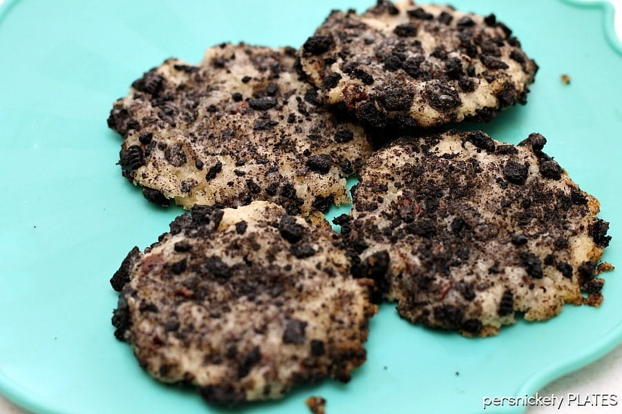 Oreo Chocolate Chip Cheesecake Cookies | Persnickety Plates