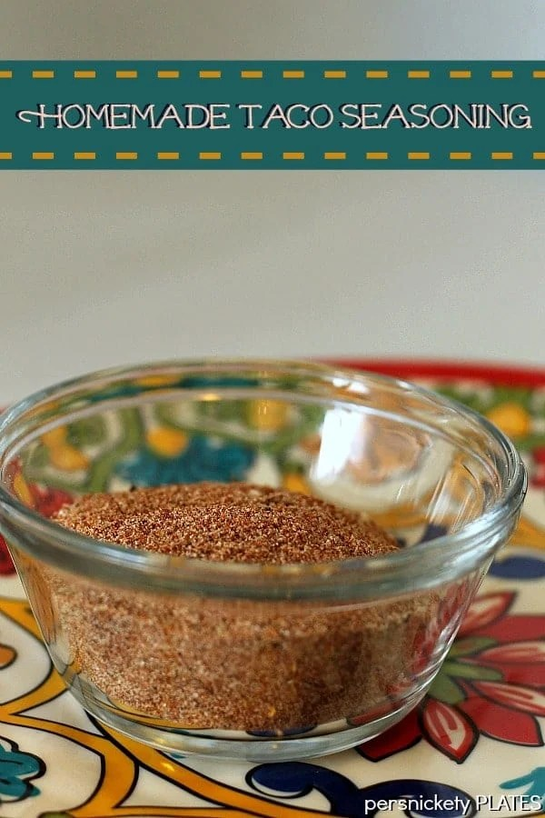 Homemade Taco Seasoning - why buy the packets when you can make your own? | Persnickety Plates