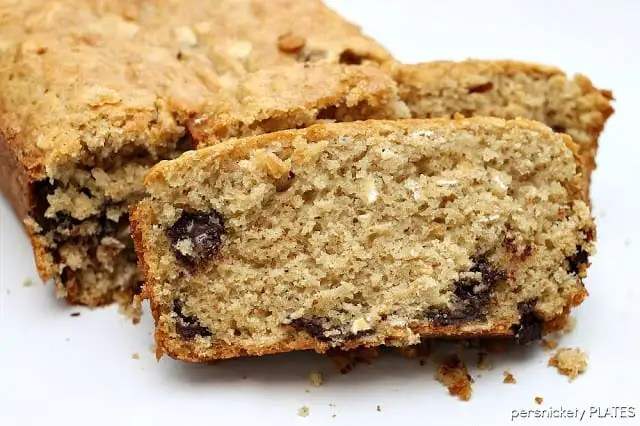 Oatmeal Chocolate Chip Quick Bread | Persnickety Plates