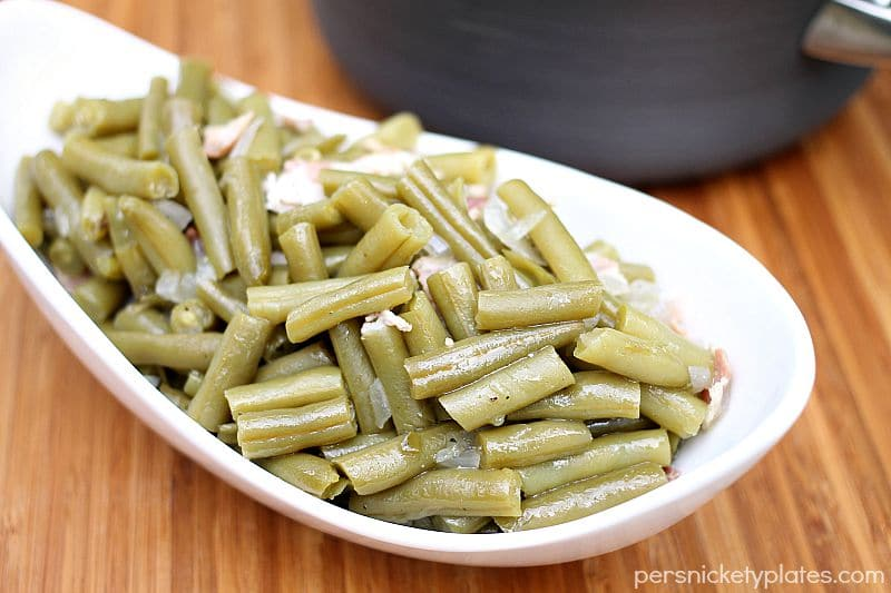Country Style Green Beans - a Cracker Barrel copycat recipe | Persnickety Plates #sp