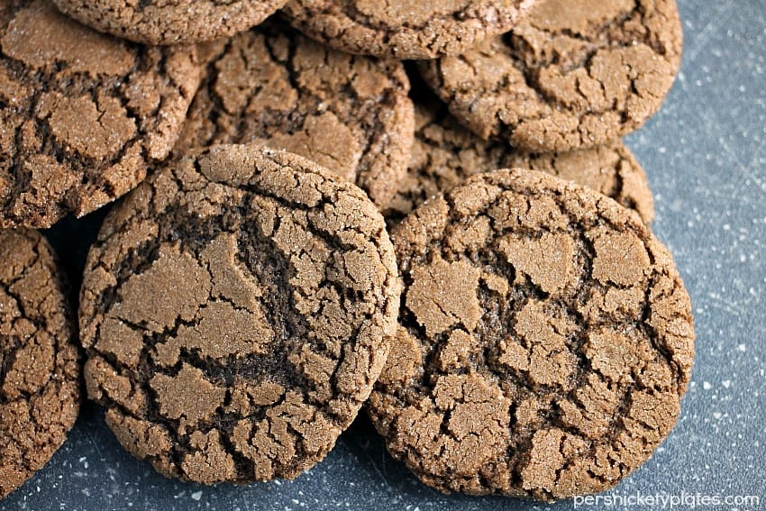 Crisp Chocolate Crinkle Cookies - a beautiful but simple chocolate cookie with crisp edges and a chewy center.   Persnickety Plates