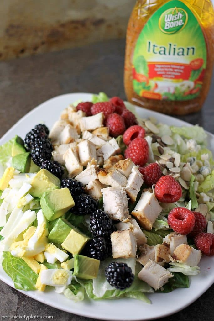 Summer Cobb Salad is quick to throw together and full of fresh flavors to kick off your summertime eating! | Persnickety Plates ad