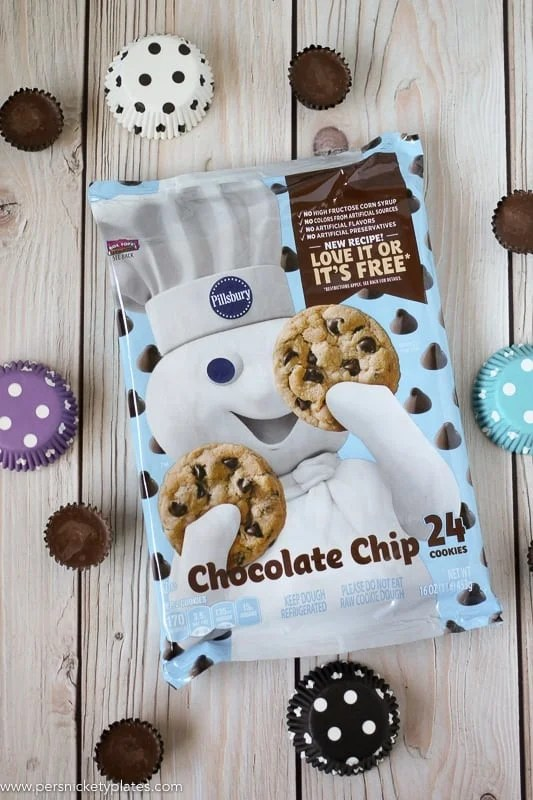 package of pillsbury chocolate chip cookie dough