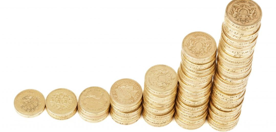 UK Savings Down, Spending Down