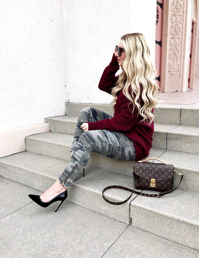 Express Jeans, Free People Sweater, OC Blogger, California Blogger, Louis Vuitton Pochette Metis, Hair Goals, Hair Extensions