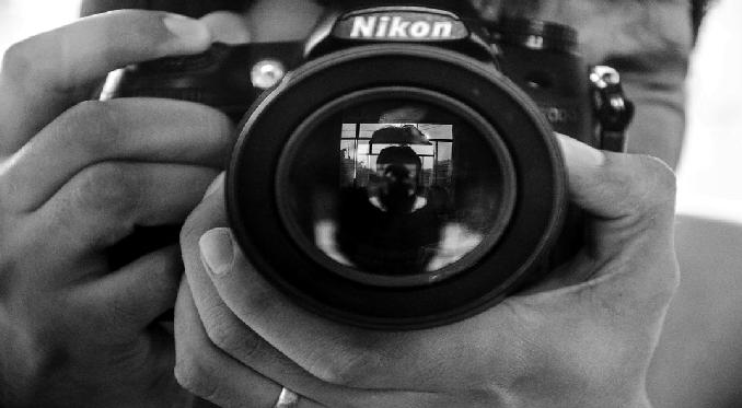 NO alle foto e video importanti FAI DA TE. Chiama Personal Reporter